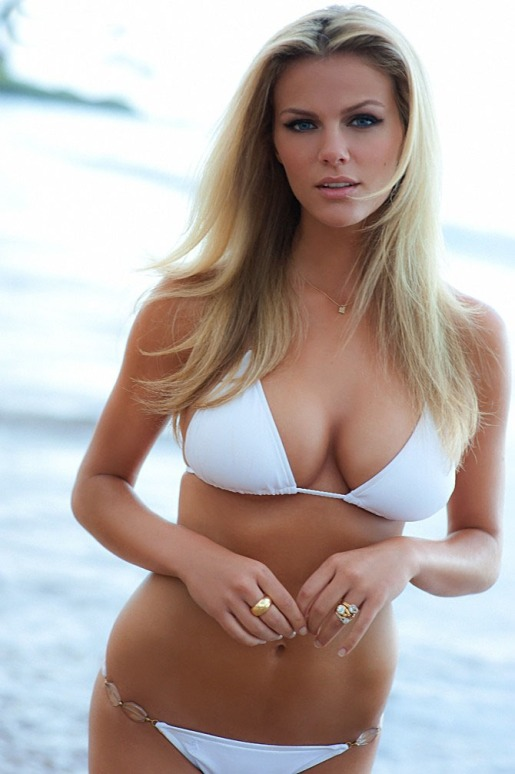 brooklyn-decker-sports-illustrated-wallpaper