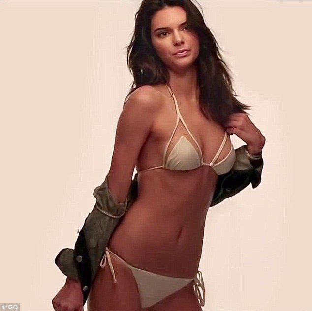 kendell jenner undressed to bikini