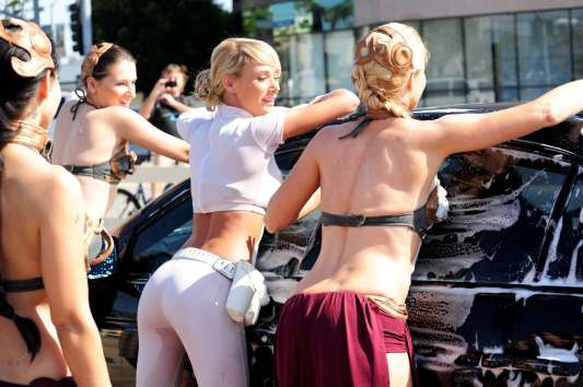 Sara-Jean-Underwood---Car-Wash-Event-at-Star-Wars-Charity-in-Los-Angeles-12