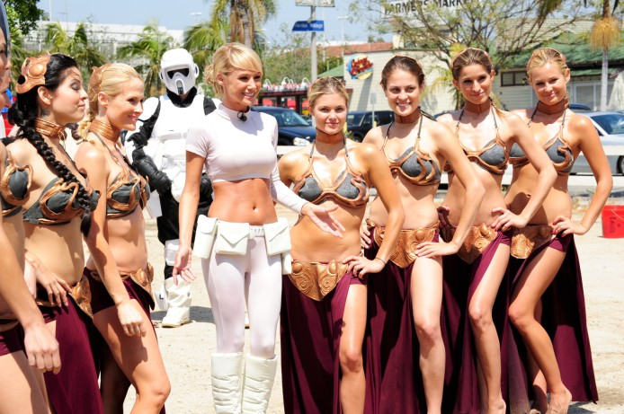 sara-jean-underwood-e28093-star-wars-car-wash-09