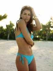 elizabeth hurley aqua bikini