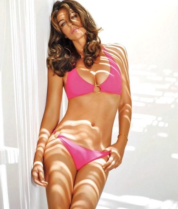 elizabeth hurley pink bikini 2