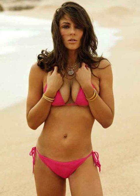 elizabeth hurley pink bikini