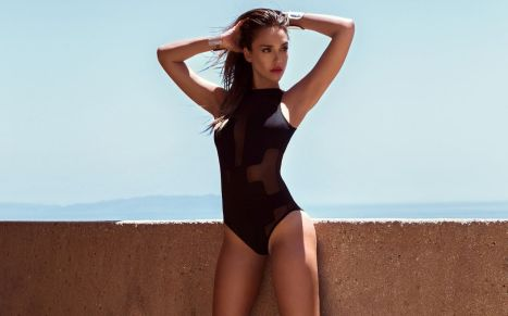Jessica Alba black suit