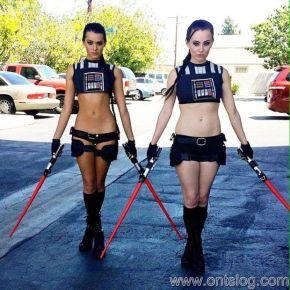 Joanie Brosas and friend star wars cosplay