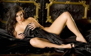 Kim Kardashian Hot Wallpapers 2012 10