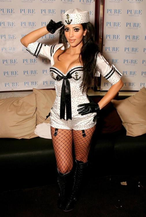 Kim Kardashian xexy sailor costume