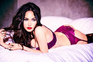 megan-fox-for-frederick-s-of-hollywood-2017_2