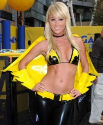 Sara Jean Underwood cosplay