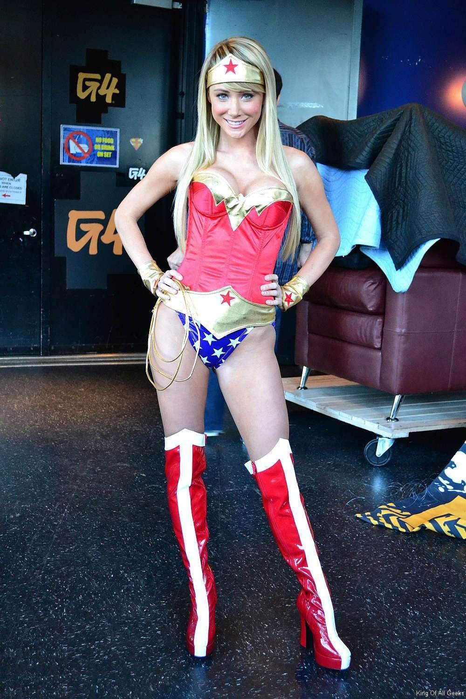 Sara Jean Underwood Sexiest Halloween Cosplay 6