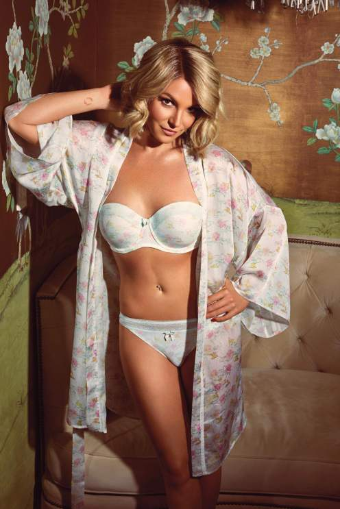 britney spears open robe