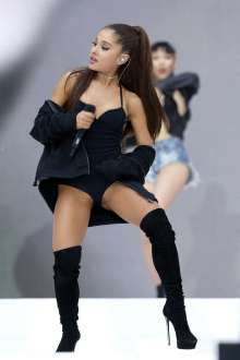 Ariana-Grande-Hot-2