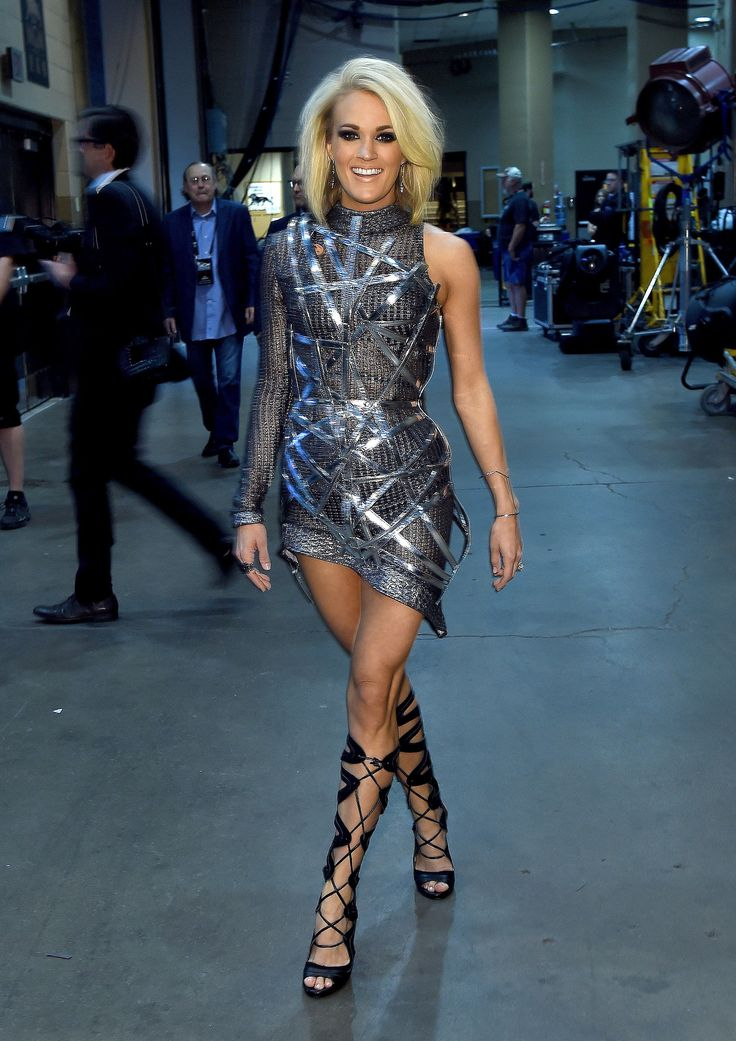 15fd4fc7a4d87 carrie underwood-lovely-dresses