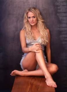 Carrie Underwood-Sexy-Celebrity-Legs-Zeman-00084