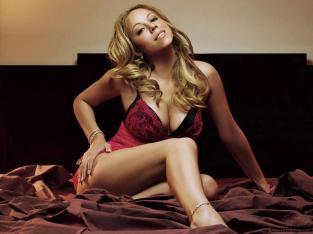 mariah-carey-hot-pink-revealing-corset