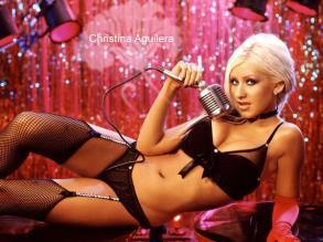 Christina-Aguilera mic