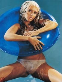 Christina-Aguilera tube
