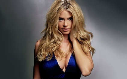 Denise Richards blue dress