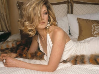 Rosamund Pike-hot-wallpaper-03