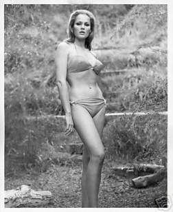 ursula andress 2