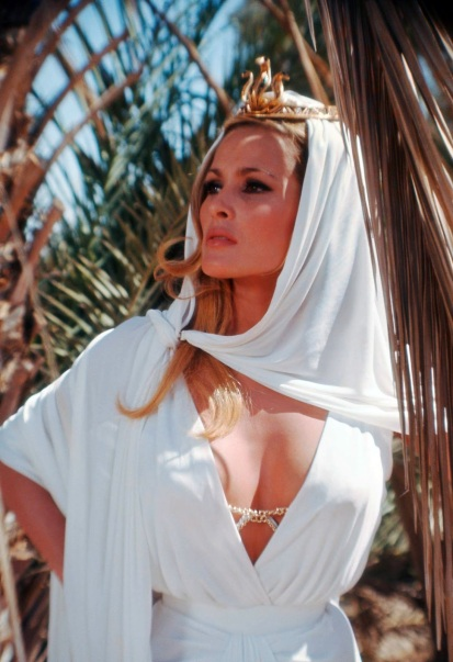 ursula andress-31