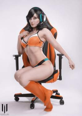 jennifer van damsel orange computer chair