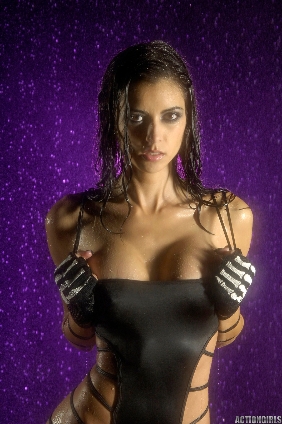 leanna vamp wet strip