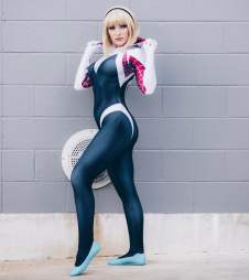 jennifer vandamsel spidey gwen 3