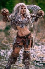 Jessica Nigri-Viking-Cosplay-610x931