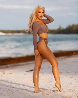 kristen hughey sexy beach