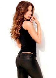 kate beckinsale tight pants