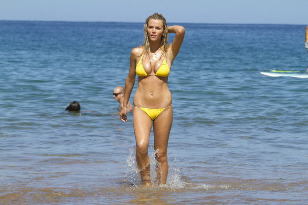 brooklyn decker just go with it