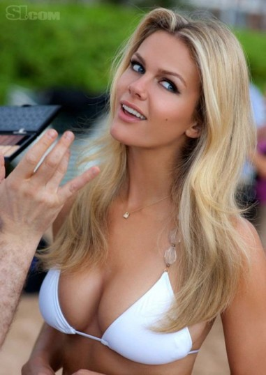 brooklyn decker with hand