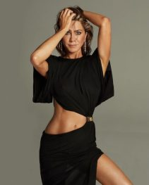 jennifer aniston-51st-birthday-photoshoot-photos-1-5e43aec0b8d7d__700-480x600