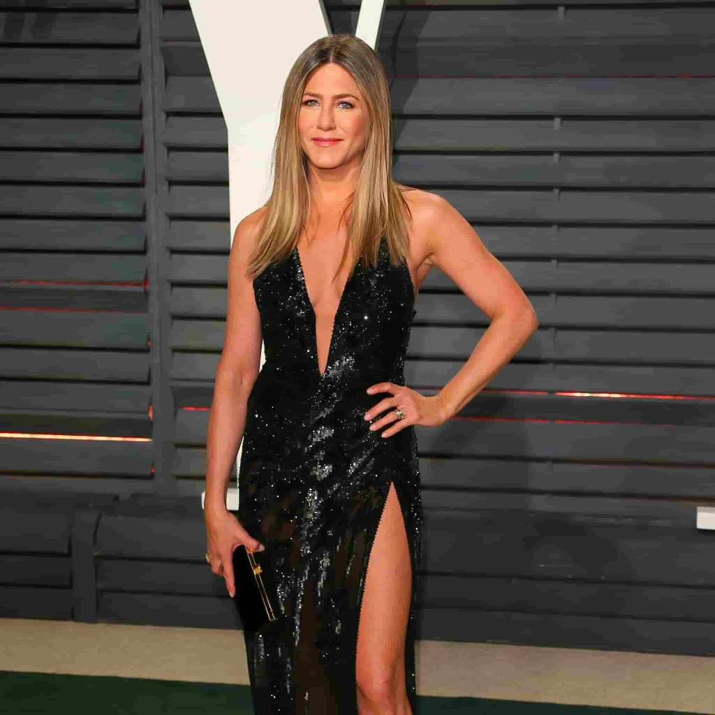 jennifer aniston black dress