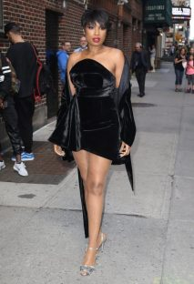 Jennifer-Hudson-vs-naomi-campbell-in-brandon-maxwells-strapless-cocktail-dress-7-681x1000