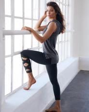 jessica biel yoga