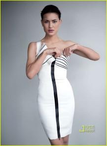 julia jones-da-man-magazine-03