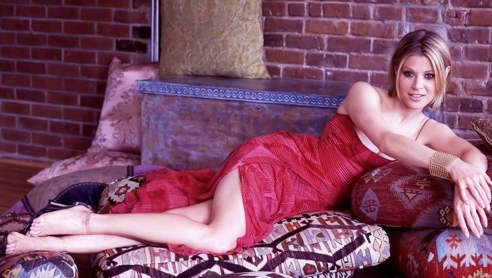 julie bowen-sexy-images_960x544